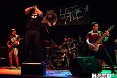 Let Me Fall - Metal Café